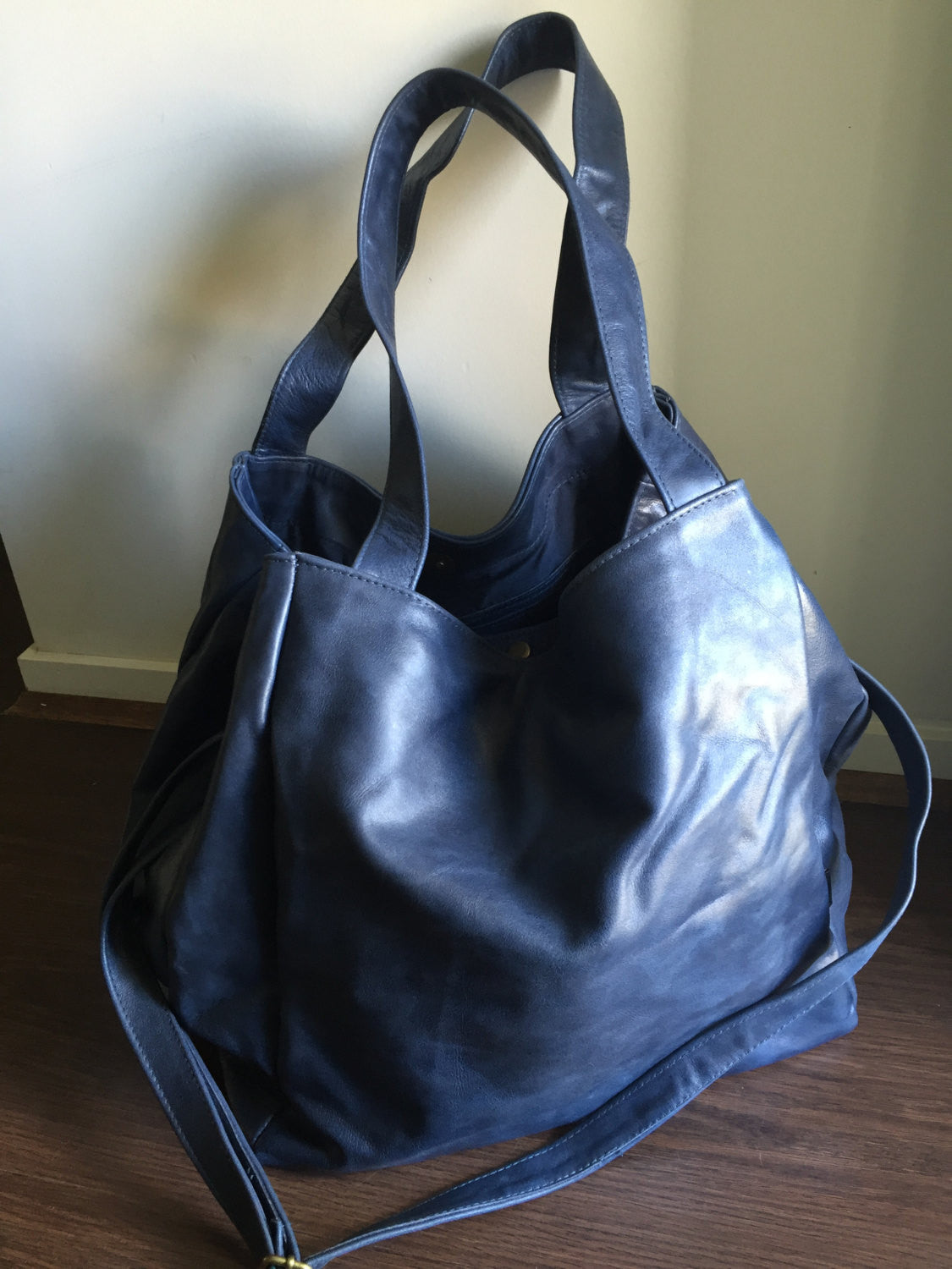 The Gigi-Extra Large genuine leather tote bag. Square shaped. - Tana ... e11b987c8f9ea