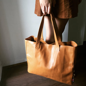 The Total-Leather classic tote bag