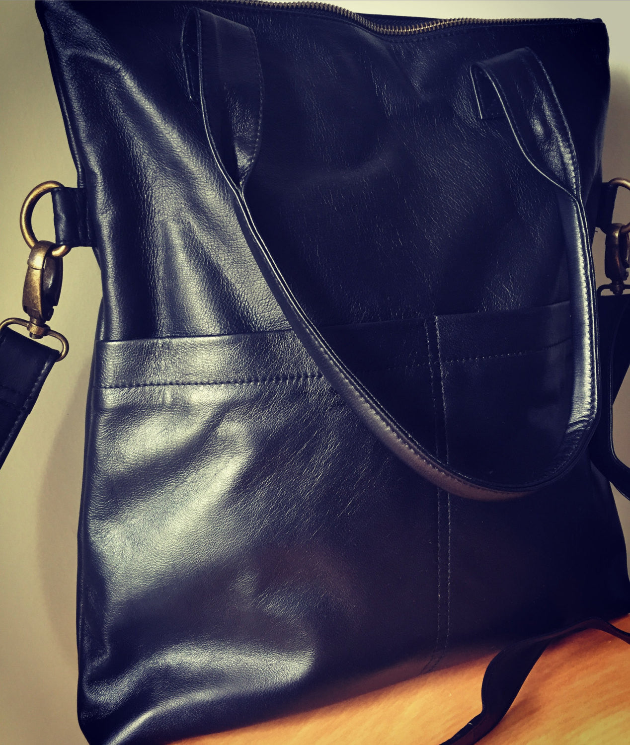 The Traveller-Classic genuine soft leather shoulder bag.