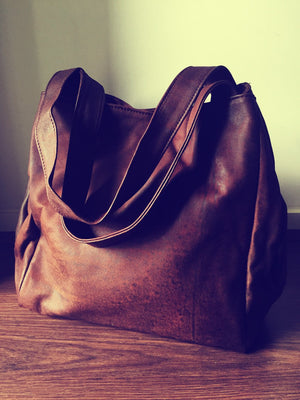 The Gigi-Extra Large genuine leather tote bag. Square shaped.