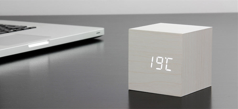 Cube Click Clock by Gingko