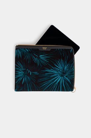Wouf Amazon Velvet Sleeve Case