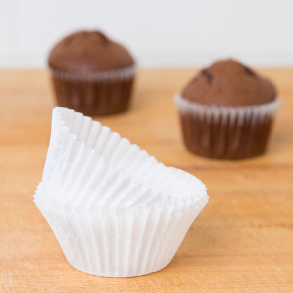 Cupcake Liners - White Standard - Pkg of 100 - Dragonfly Cake Supply, Alberta, Canada