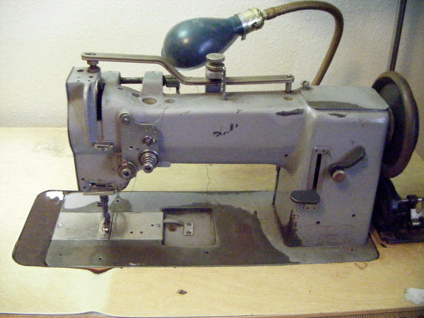 Adler 067 Industrial sewing machine