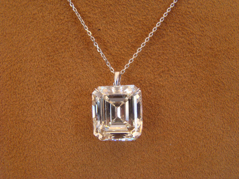 Emerald cut Diamond pendant necklace