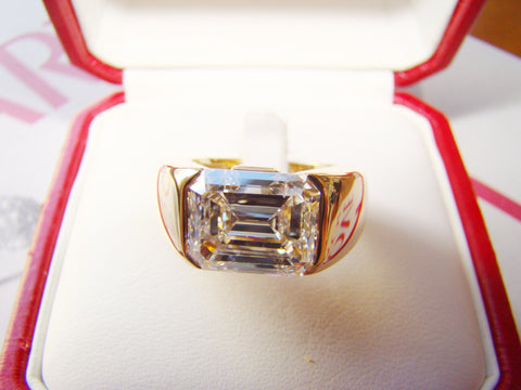 Cartier Emerald cut Diamond and Yellow Gold Ring