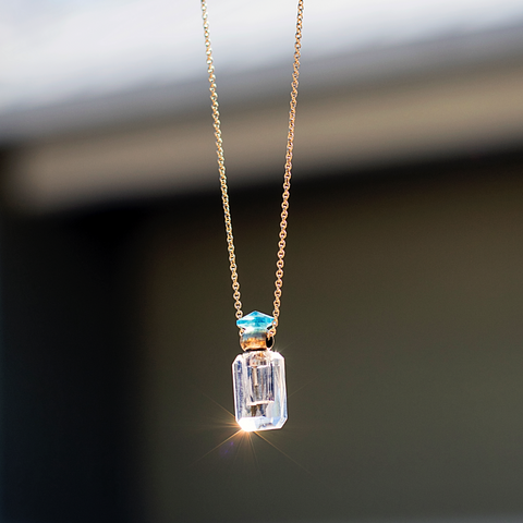 Crystal essential oil pendant on 18kt yellow gold chain