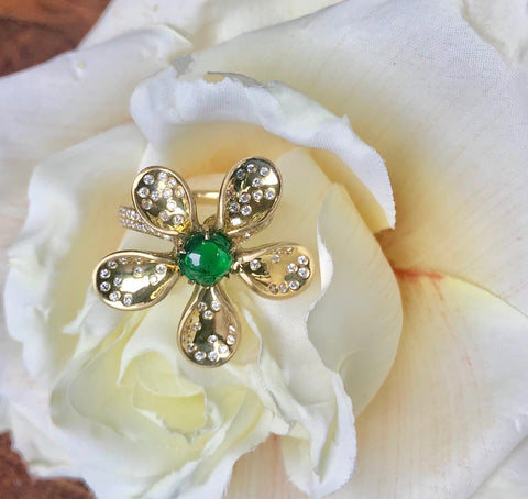 Cabochon Emerald and Diamond 18 kt yellow gold flower ring