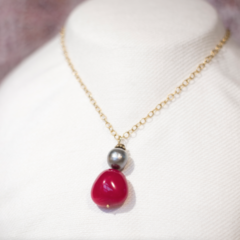 Gray Tahitian Pearl, Red Spinel and yellow gold necklace