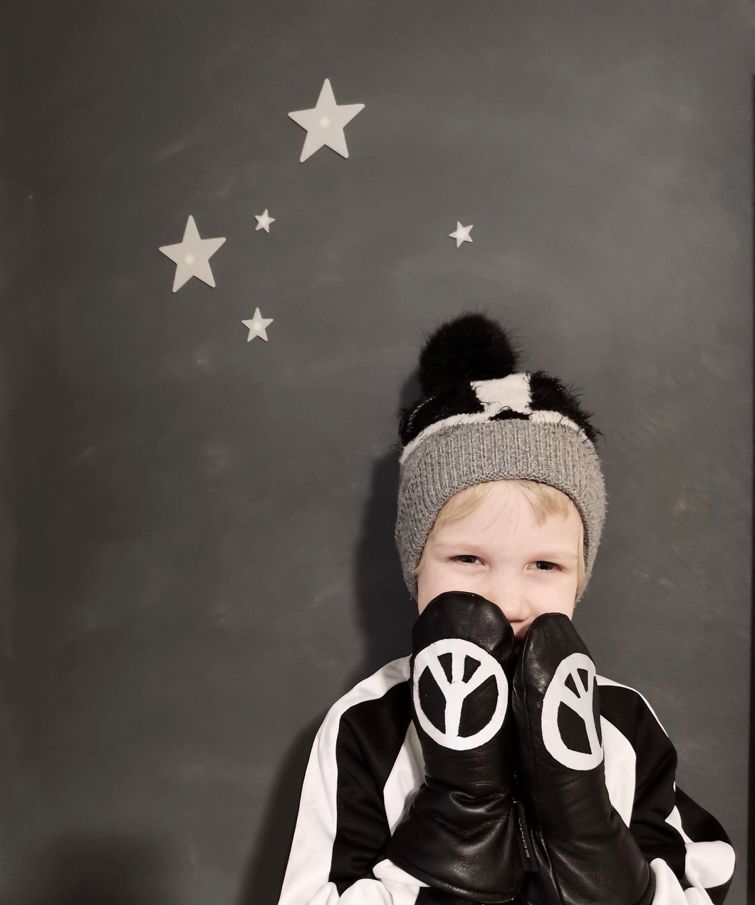 Lasten nahkarukkaset - Children leather mittens - Black/Reflecting Peace