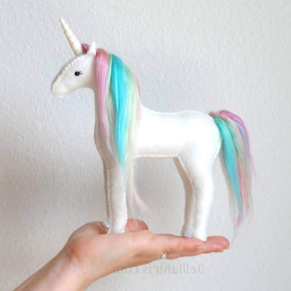 PASTEL UNICORN HAND STITCHING KIT