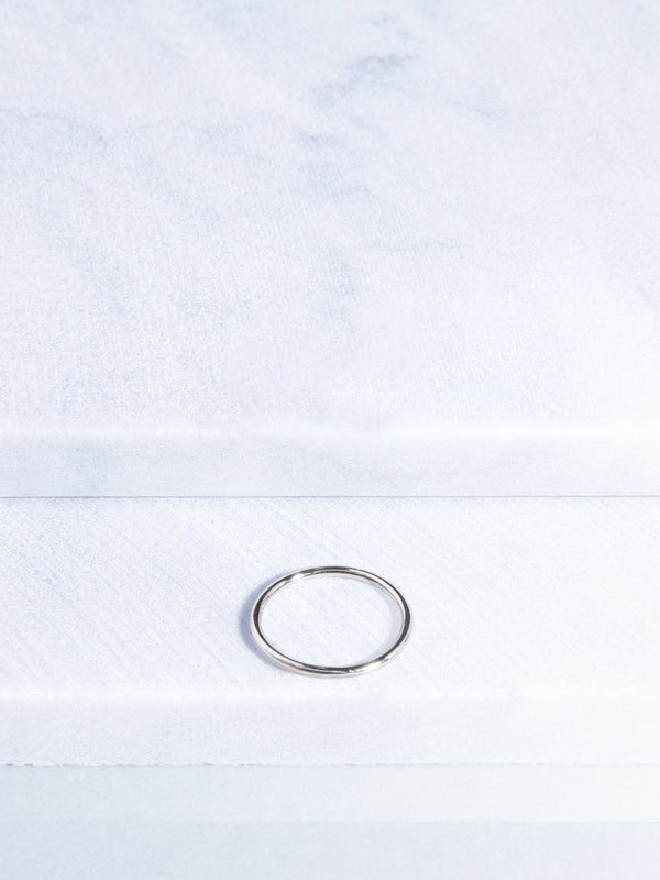 Simplicity Knuckle Ring (Silver)