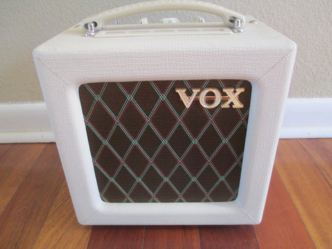 Near Mint Vox AC4TV Mini Tube Amp. Mini Chime Machine