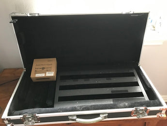 Pedaltrain 2 pedalboard, Roadrunner heavy-duty case, Memteq power supply