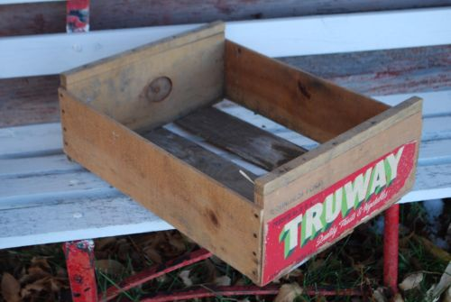 Primitive antique Christmas colors label vegetable storage wooden crate vintage