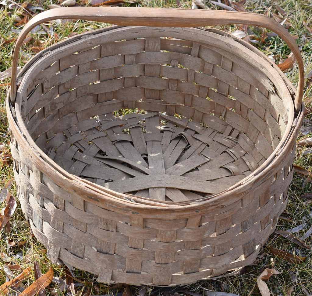 HUGE primitive farmhouse basket..very old beautiful