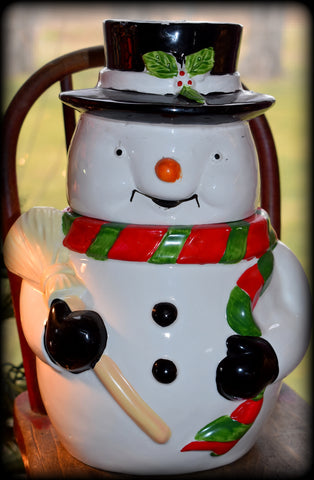 The chubbiest happy vintage snowman cookie jar Christmas time!