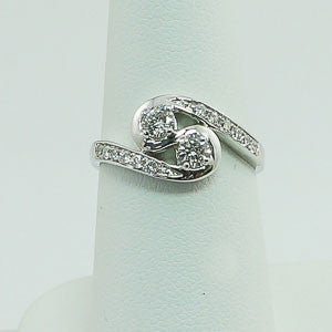 10kt .65ctw Diamond Friendship Ring