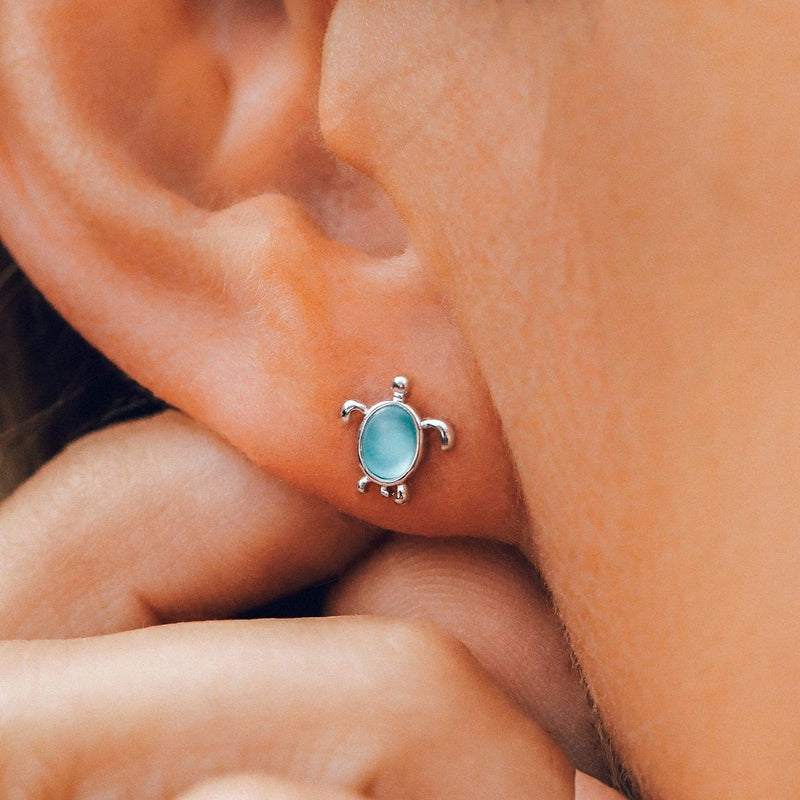 PURA VIDA EARRINGS - SEA TURTLE STUD
