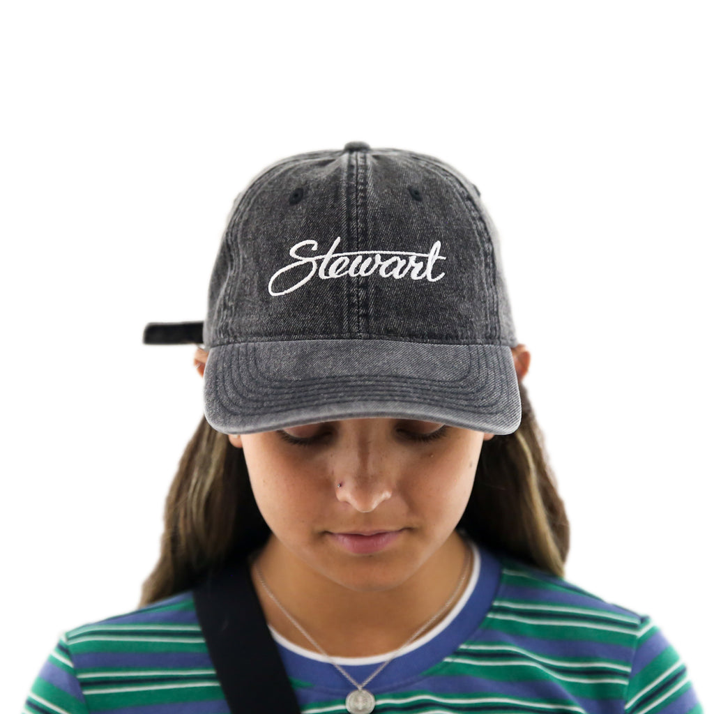 STEWART SCRIPT ACID WASHED DENIM HAT
