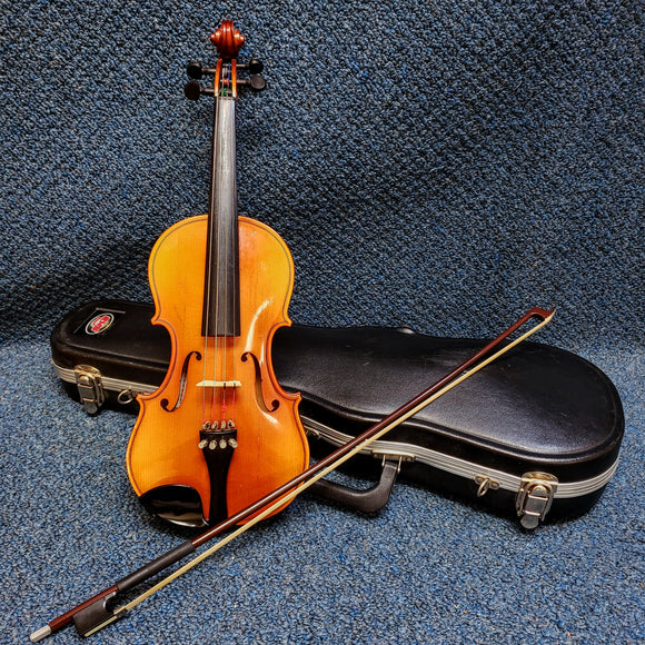 Becker 1/2 Size Violin - Made in Romania - w/ Bow & Hard Case