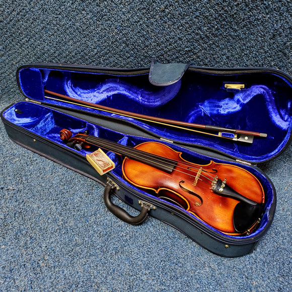 Joseph Guarnerius 3/4 Violin w/ Hardshell Case, Bow, and Rosin