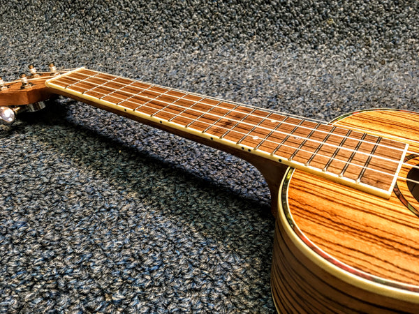 NEW Amahi UK330C Zebrawood Concert Ukulele Uke With Bag and Pick
