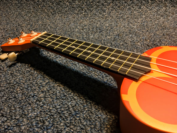 Amahi DDUK5 Orange Flower Ukulele Uke w/bag