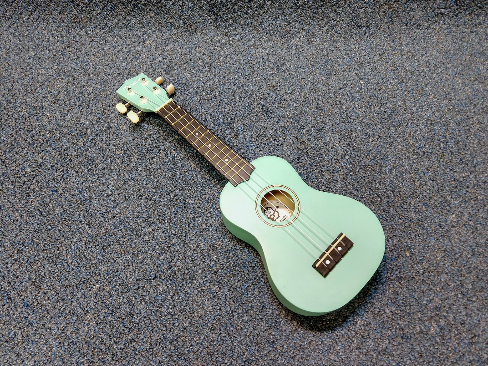 NEW Amahi PGUKLB Soprano Penguin Ukulele Uke Light Blue With Cover
