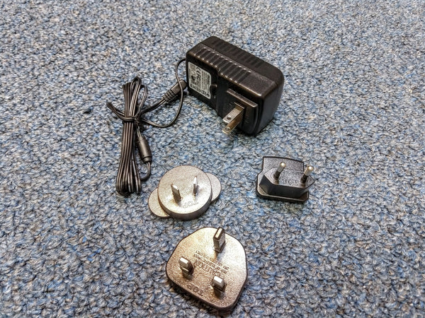NEW Dunlop MXR M238 Iso-Brick Power Supply With Adapter and Cables