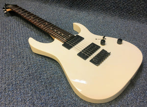 NEW Ibanez Gio GRG7221-WH 7-String Electric Guitar White *Floor Model-REDUCED*