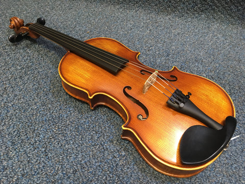 Cremona SV200 Violin with One Piece Back, Case, Bow & Rosin