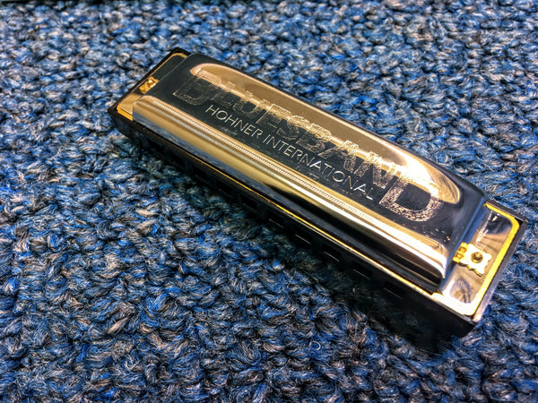 New Hohner International BluesBand Harmonica w/Case and Online Lessons