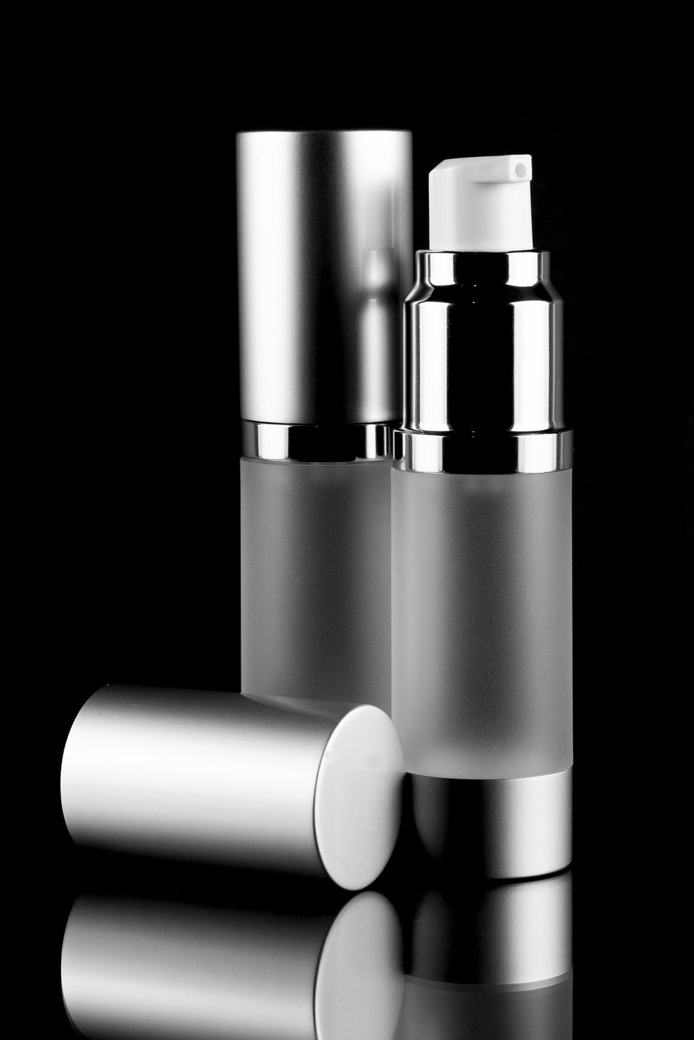 Airless Pump Bottle - Luxe 15 ML Airless Bottle Matte Silver With Frosted Bottle
