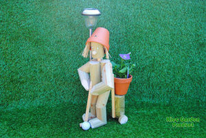 Golf player with solar light