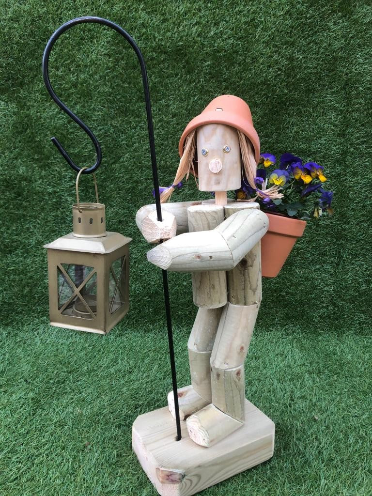 Standing Girl or Boy  with Crook & lantern - beige