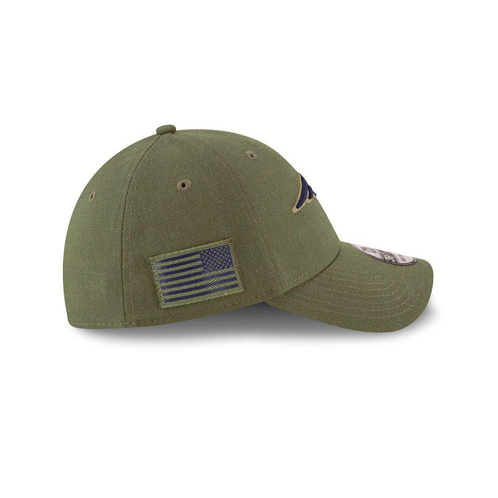 d6d26a70d167c ... New Era NFL New England Patriots 2018 Salute To Service Sideline  39THIRTY Flex Hat ...