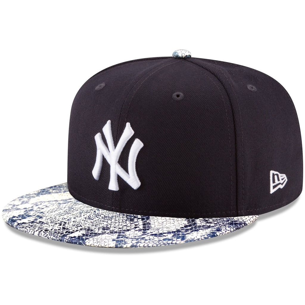 New Era MLB Men's New York Yankees Visor Craze 9FIFTY Adjustable Snapback Hat