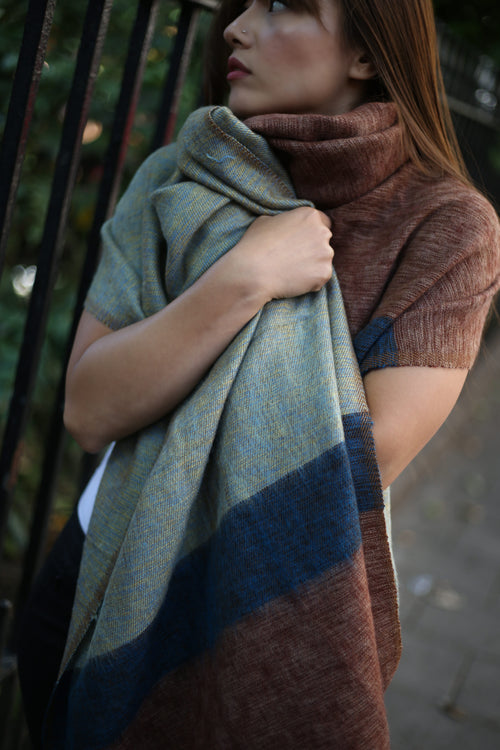 STRIPED OVERSIZED SCARF