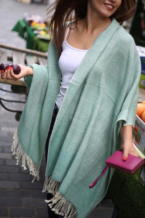 Green 100% cashmere scarf