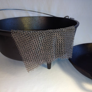 Ever-Clean™ Stainless Steel Chainmail Scrubber for Cast Iron
