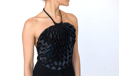 Unfolded Triangle Top / Black