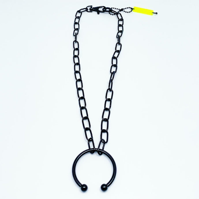 XL PIERCED NECKLACE IN BLACK