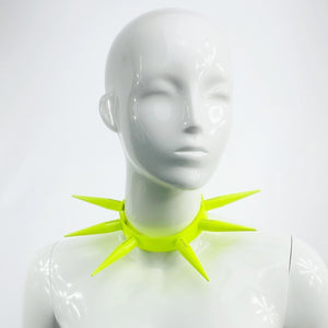 BITCHSPIKE CHOKER IN NEON YELLOW