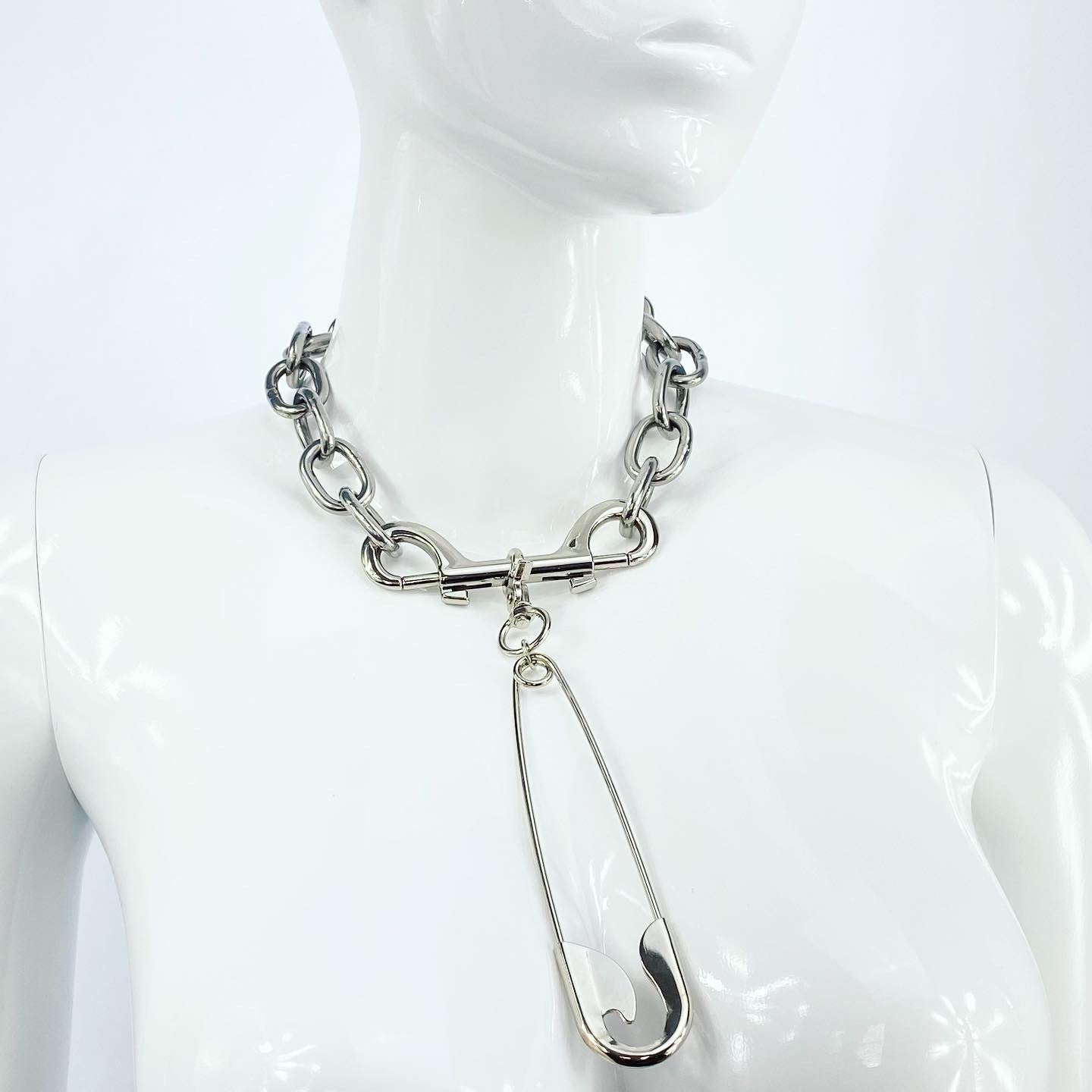 INDUSTRIAL DOUBLE TRIGGER XXXL SAFETY PIN CHAIN NECKLACE IN STAINLESS STEEL