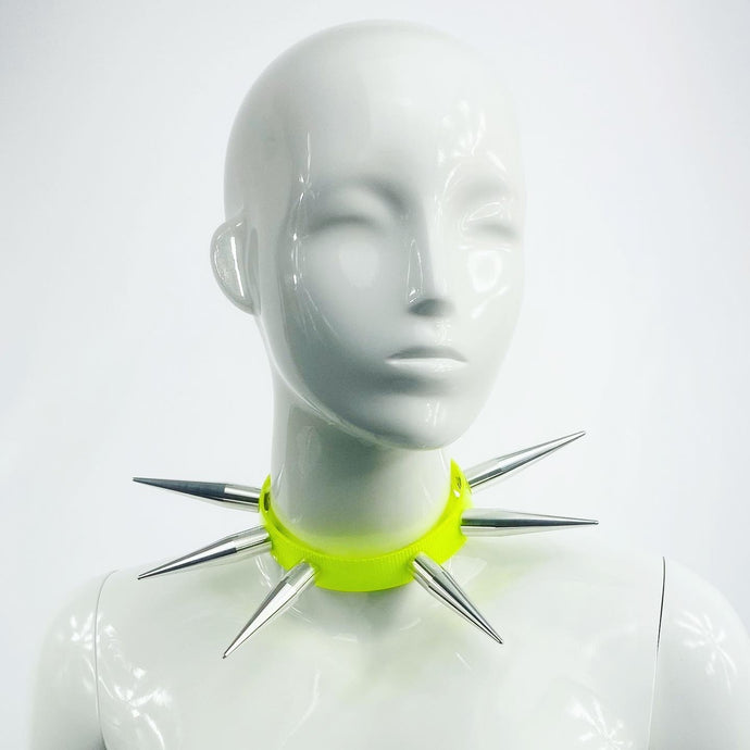 BITCHSPIKE CHOKER IN NEON YELLOW + SILVER