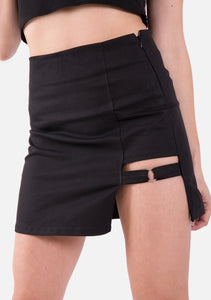 Dominate Asymmetric Skirt