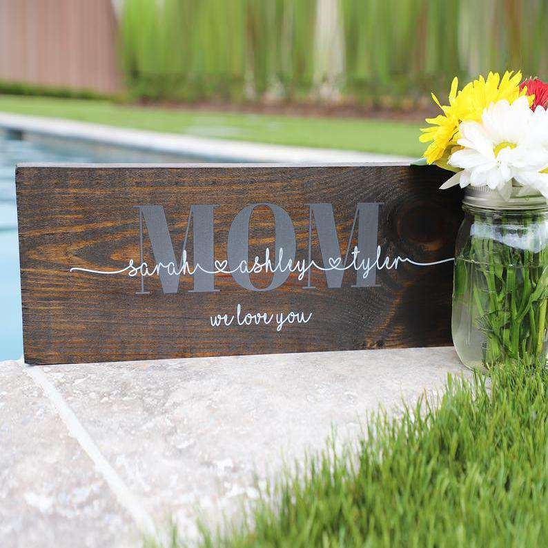 Custom Wood Mom Family Sign 03