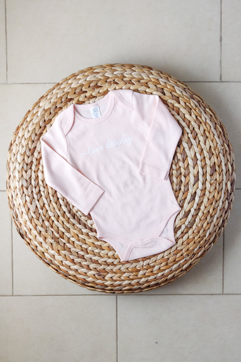 """Love deeply"" Organic Cotton Bodysuit - Long-sleeve 6-12M"