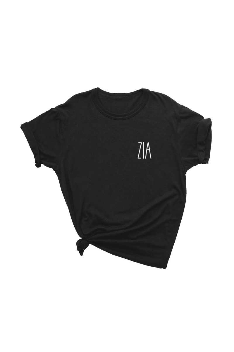 "A black t-shirt that says ""zia."""